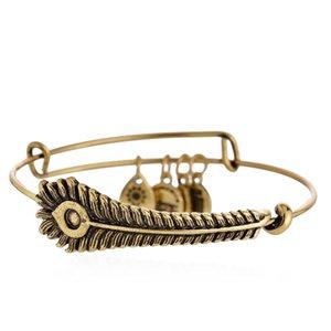 diseñador de lujo de moda popular vintage pluma de pavo real dorado encanto de la bandera de EE. UU. brazalete ajustable para mujer niñas