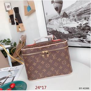 2020 Qualidade superior bolsa de maquiagem feminina, caixa de maquiagem famoso, grande organizador da viagem, bolsa de maquiagem de viagem, bolsa