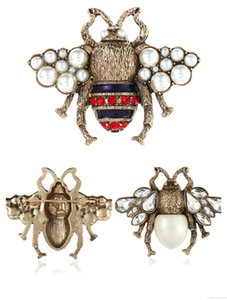 Cristal Honeybee diamant Broche abeille Pins luxe Designer alliage Broches perle strass Mode Femmes Insect Pull Pins Cadeaux Bijoux