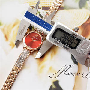 style Swan montre de femme montres en acier inoxydable de diamant de luxe de la mode Dial Fille Femmes Montres Robe Sport Mode relógio