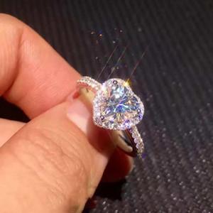Platte mit Silber Ornamente Simulation Zircon-Herz-Art-Ring-Frauen Micro Insert Ring