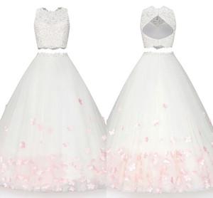 2020 Deux Pièces De Bal Robes De Soirée fait à la main Fleurs Perles Dentelle Applique Bateau a-ligne Quincenaera robe douce 16 Longue Formelle Robes