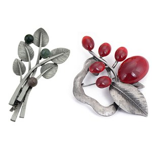2 Pcs Vintage Brooches for Women: 1 Pcs Black Beads Plant Leaf Brooch & 1 Opal Stone Large Flower Brooch Pins