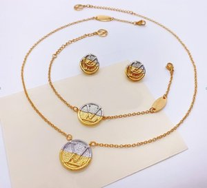 Europe America Style Jewelry Sets Lady Women Engraved V Initials L to V Double Color Gold Coin Necklace Earrings Bracelet Sets