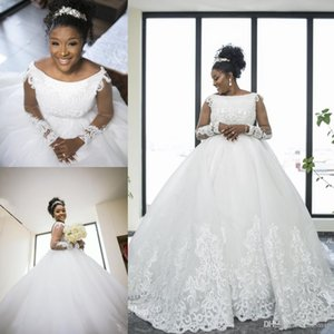 Luxury Ball Gown Wedding Dresses Lace Appliques Luxury Pearls A Line Scoop Neck Beach Wedding Dress Sweep Train Long Sleeve Bridal Gowns