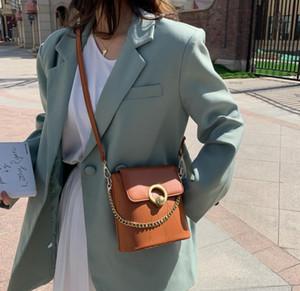 Croix Petit sac de femme Body 2020 Sacs Nouveau tout autour de Retro Messenger Sacs chaîne à la mode Sac Bucket