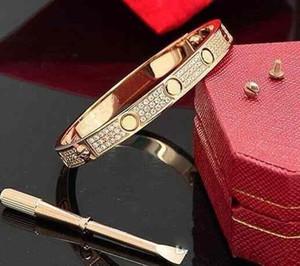 Luxo Mens cheia de diamantes pulseira de aço inoxidável Moda Womens designer de Amor congelado para fora pulseiras Bangles chave de fenda Jóias