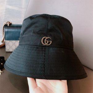 2021 Nouveau chapeau de soleil Voyage classique de qualité chapeau de pêcheur chapeau de seau de luxe de haute couture pour les hommes et les femmes A11