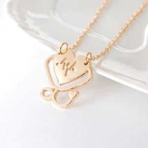 30 Alfabeto inglés Heartbeat Doctor Hollow love Heart Stethoscope Cardiogram Collar colgante carta love heart jesus necklace Jewelry