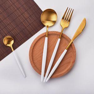 Venta caliente de 4 PC / set oro blanco europeo cuchillo vajilla de acero inoxidable 304 Occidental cubiertos conjunto de la cocina de la cena del vajilla