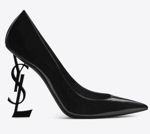 2018 zapatos de marca nuevos zapatos atractivos del verano de la mujer de la hebilla de correa del remache sandalias de tacón alto de la moda Moda dedo del pie acentuado Individual alta heel10.5cm
