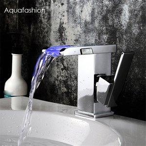 LED Водопад кран полированный хром Однорычажный ручки ванной Умывальник смесителя Water Power LED Водопад кран