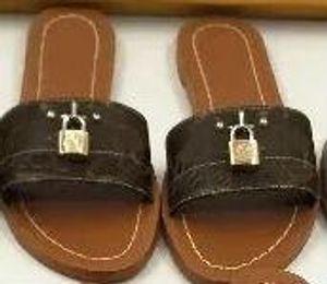2019 lock it leather Designer Sandals fashion 35-41 Women sandal Horse brand with box lady fashion Dust bag Mini slippers flat slippers