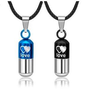 Любовь таблетки пара капсул мужчин и женщин с тем же пунктом титановой стали кулон ожерелье пуля