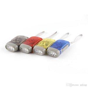 Outdoor 3 LED mano Press Torcia No Batteria Wind Up dinamo della torcia elettrica della luce della torcia di campeggio portatile Flash Light 3.004.017