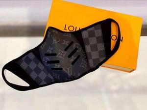 2020 Hot Haben Sie mit Verpackungskasten Maske kühlen Art und Weise Paris Show Designer-Gesichtsmasken Anti-Staub-Masken Tuch und aus Leder Druck Täglich Mask