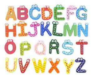 Mots aimants pour réfrigérateur 26pcs / Set Enfants Enfants En Bois Cartoon Alphabet Éducation Apprentissage Jouets Adulte Artisanat Décorations pour La Maison Cadeaux DHL Gratuit