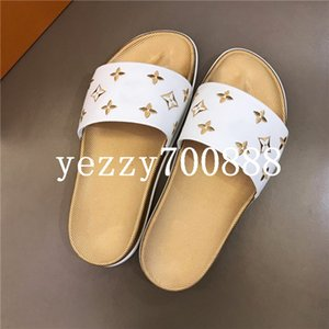 2020 new high-quality luxury casual shoes, luxury men's and women's sandals, slippers, flip flops, fashion casual wild fdzhlzj B2695