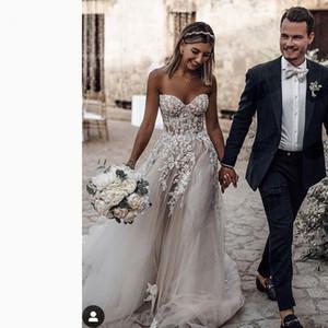 2020 Yeni Dreamlike Bohemya Yaz Plaj Gelinlik Aplike Dantel Sweetheart Backless Beyaz Fildişi A Hattı Uzun Boho Gelin Elbise Modelleri