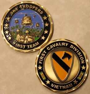Spedizione gratuita - Distintivo della moneta della 1a Divisione Esercito del Vietnam della Divisione di Cavalleria