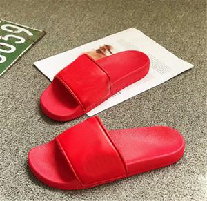 Hombres Letters Slides Chancletas verano resistencia al deslizamiento en la playa plana zapatos de los deslizadores 4 colores opcionales