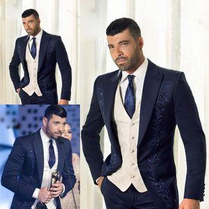 Navy Formal Wedding Broom Tuxedos (Jacket + Pants) con bordado trajes de hombre por encargo último traje para hombres Wedding Tuxedos baratos