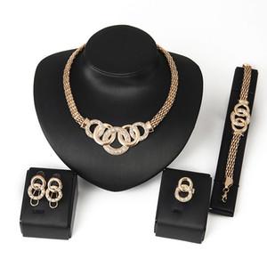 Goldfarbe 4pcs Schmuck-Set für Frauen Hochzeit Engagement Halskette Armband Ohrringe Ring Pop Corn Chain