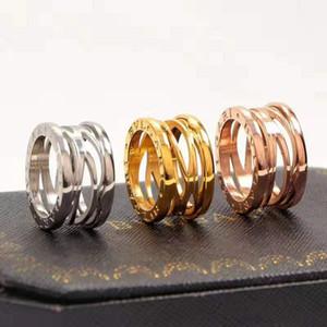 2019 européens et américains classique mâle anneau creux, acier de titane, les couples de bijoux décoratifs