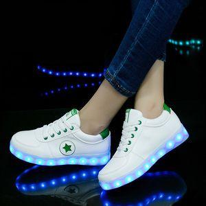 Los niños que cargan las zapatillas de deporte luminosas de la carga del usb que destellan los zapatos para la danza de fantasma llevaron los zapatos de las zapatillas de deporte que brillan intensamente para los muchachos Las muchachas encienden los zapatos Y190525