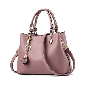 2020 new handbag European and American middle-aged mother fashion shoulder bags