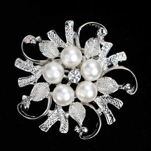 Silver Bouquet Brooches Pins With Imitation Pearl and Crystal for Women Clothes Accessories Bridal Flower Badge Breastpin Beautiful Jewelry