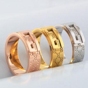 패션 편지 디자인 밴드 반지 유명한 브랜드 스테인리스 커플 반지 여성 남성 럭셔리 결혼 반지 로즈 골드 실버 보석 애호가 선물