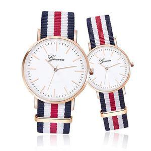 Mode Genève Montre Vintage Nylon Canva Montres Ceinture GENEVA Couples montre à quartz robe des femmes montre-bracelet de style Corée Montres Bracelet