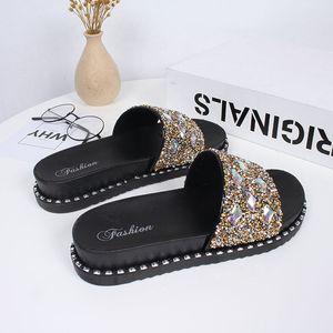 Mulheres Praia Flip Flops Chinelos Plano mulheres causais Sapatos mulher ouro Slipper Slides cristal Bling Sandals Feminino Chinelos