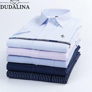 Dudalina 2020 Summer Men's Shirt Short Sleeved Plaid Striped Fashion Work Casual Shirt Man Formal Shirt Camisa Social Masculi CX200605