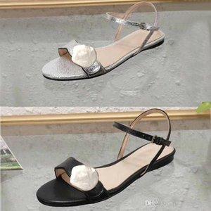 Klasik bayan sandalet Toka Metal deri Düz taban Plaj kadın ayakkabıları Tasarımcı Lüks Kadın Sandalet tokası Büyük boy US11 10 42 41