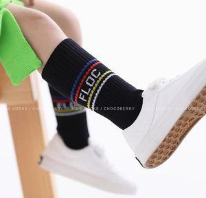 Bebês Crianças grossas Meia-nascidos Bebés Meninas Socks Inverno Quente joelho Meias Crianças Colorfult listrado Carta alta longo Sock infantil da criança do bebê Socks