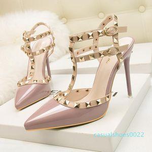 fetiche rojo tacones altos para mujer zapatos de diseñador de charol para mujer zapatos de boda remaches sandalias de gladiador sexy bombas valentine negro c22