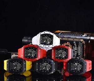 Vente en gros de haute qualité Hommes Montre de Luxe Marque Homme Sport Montre Mouvement Quartz Bracelet Caoutchouc Classique Montres Designer avec date