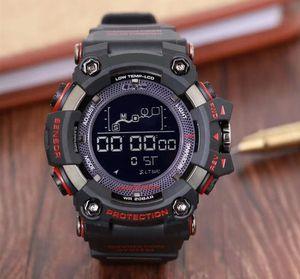Büyük saatler, erkek spor kadranı saatler, LED su geçirmez dağcılık dijital erkek saatler, otomatik ışıklar.