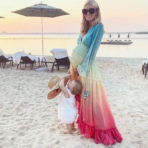 Sommer-Frauen-Kleid-reizvolle böhmische Art-Steigung-Farben-Langarm V-Ausschnitt Frauen-Strand-Kleider der beiläufigen Frauen lange Kleider