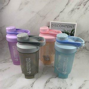 Plástico Shake The Cup Albumen Powder Handle Tazas portátiles Botellas de agua de moda de color puro con diferentes estilos 5 8yga J1