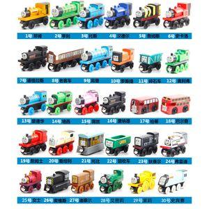 Modèle Cartoon Bois Toy Train, Mini Taille, 59 Styles, Compatible avec train piste, pour la fête de Noël Kid cadeau d'anniversaire, Ornement Accueil, 2-2