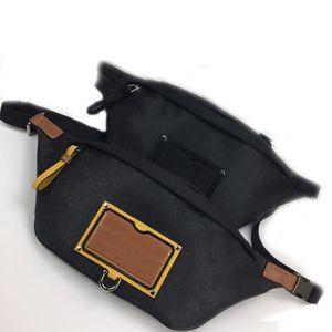 95 Wholesale waistband dos homens 055 couro macio bolsa de estilo mensageiro casual bolsos de estilo de rua personalizado leathe r bolsas de ombro tamanho47 20 9 cm