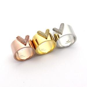 Europa America Lady Titanium Impostazioni acciaio pieno diamante intaglio V lettera di incarico Ampi anelli 3 Colore Taglia 6-9