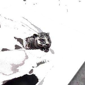 925 Sterling Silber Mode Amethyst Schwert Zahntigerkopf Thai Silber Ring der Männer herrschsüchtig Persönlichkeit Retro Ring Katzen-Kopfring