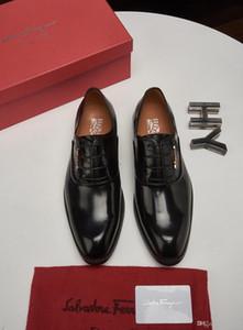 Homens 19FW Luxo Shoe Italian Style Doug sapatos de camurça do dedo do pé Pointed Loafers Vestido de Noiva Sapatos Novo Design Designers Negócios Shoes LISY1