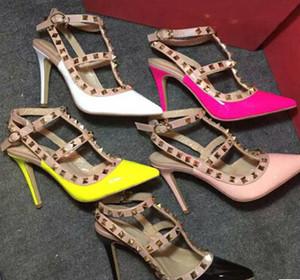 ЖАРКО! Большой размер 2020 Дизайнер 10см бренда Высокие каблуки Женская обувь Nude Black Шипы T-ремень Патентный насос кожа Stud Леди обувь Летняя zss17