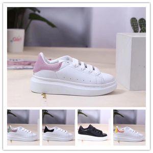 2020 Designers lusso Scarpe bambini Velvet scarpe chaussures enfants pattini casuali della piattaforma pelle bianca Alexander