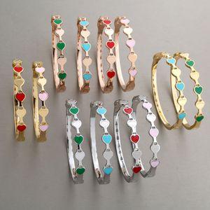 Luxus-Designer-Schmuck Frauen Armbänder Edelstahl Liebesarmbandarmband T Marke Armband Liebe Armreif